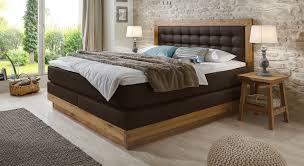 schlafzimmer gestalten dunkel caseconrad