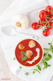die beste tomatensuppe rezept mit gerösteten tomaten und fleischklößchen