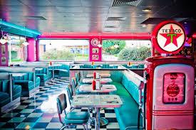 deco americaine annee 50 restaurant vintage tommys diner cafe 4 jpg 600 400 avignon