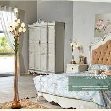 großhandel blumen stehlen schmiedeeisen glas deco stehle warm schlafzimmer licht european retro stehleuchte crystalk9 681 21 auf