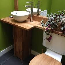 moderne ideen für eine badezimmer arbeitsplatte aus holz