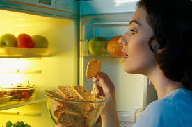 Snacks Before Bed by Risks Of Eating Before Bed Livestrong Com