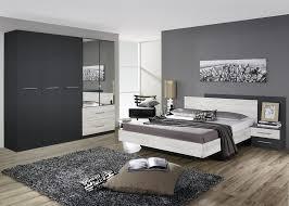 chambre comtemporaine chambre adulte contemporaine chêne clair gris métallique bagossa