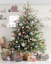 Flocked Christmas Trees Decorated by 27 Creative Christmas Tree Decorating Ideas Martha Stewart