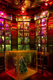 Red Square Restaurant & Vodka Bar   Las Vegas Aureole Mandalay Bay Rx Boiler Room Buddha Statue At The Foundation Vhp Burger Bar Skyfall Lounge Delano Las Vegas Red Square Restaurant Vodka Rick Moonens Rm Seafood Fine Ding Resort And Casino Revngocom Time Out Events Acvities Things To Do Hotel White Marble Top Table Tag Bar With Marble Top Eater