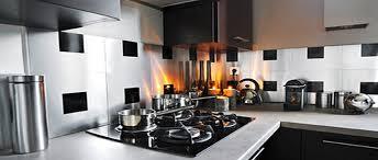 crédence cuisine à coller sur carrelage crédence adhésive le relooking cuisine facile déco cool