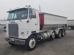 100 Cabover Trucks 1991 WhiteGMC WHR64T Tandem Axle Caterpillar 3406B