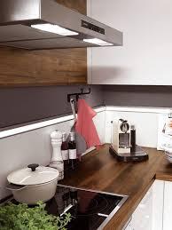 helle küche mit edler arbeitsplatte arbeitsplatte küche