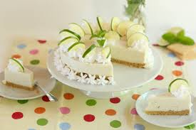 Hochzeitstorte Mit Erdbeeren Und Limetten Erfrischende Limetten Joghurt Torte Ohne Backen