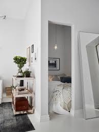 chambre alcove les petites surfaces du jour un studio avec une chambre en