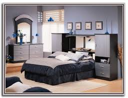 Raymour And Flanigan White Headboard by Bedroom Set With Mirror Headboard Galerry Sets 4649 Design Ideas