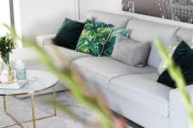unsere neue wohnzimmer deko in grün gold tantedine