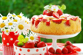 buttermilchkuchen mit erdbeeren