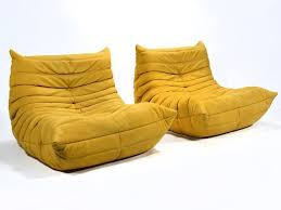 roset canapé canapé togo jaune de chez ligne roset photos de canapes jaunes