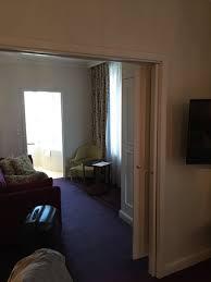 chambre attenante salon attenant à la chambre salle de bain avec et bain