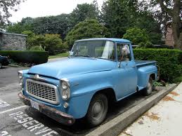 Autoliterate: 1960 International Harvester B100