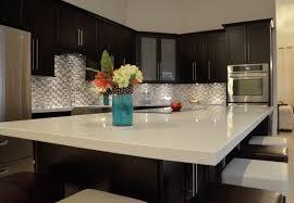 White Quartz Countertop Dark Kitchen Cabinets Modern Contrast Countertops The Eye Catcher In Every