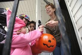 Wheatfield Pumpkin Farm North Tonawanda Ny by Area Trick Or Treat Hours Tonight Local News Niagara Gazette Com