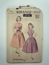 Retro 50s Sewing Pattern Advance No 6413 Womens Or Girls Teenage Dress With Short Sleeves Alternate Contrast Collar And