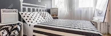 ideen für einfaches schlafzimmer mit doppel gemütliches bett