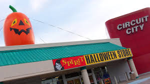 Halloween Warehouse Beaverton Oregon Hours by The Surprising Success Of Halloween Pop Up Stores Atlas Obscura