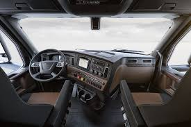 100 Elite Trucking New Freightliner Cascadia A Closer Look Photos Fuel Smarts