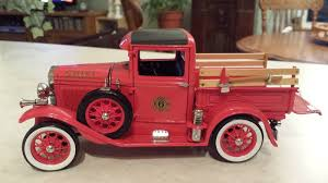 100 Ford Chief Truck 1931 Fire Motor City Classics Diecast 118