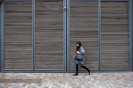 Fondos de pantalla ciudad urbano pared madera gris puerta