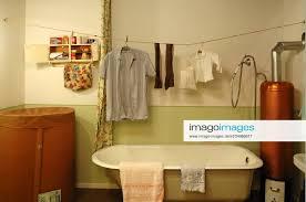 stockfoto badezimmer 1950er jahre mit einer volks heim