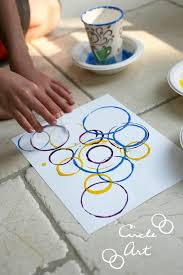 EASY DIY Circle Art All You Need Are Paints Paper Cups Of Various