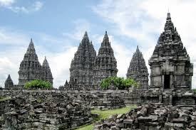 Full Day Borobudur Sunrise Dieng Plateau Tour Toyota Innova