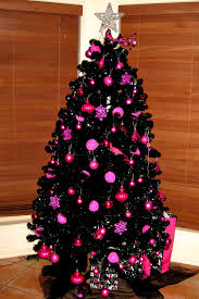 Nice Ways To Have Black Christmas Tree Decoration
