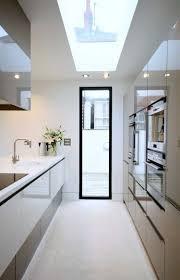 amenager une cuisine en longueur comment amanager une cuisine en longueur collection et amenagement
