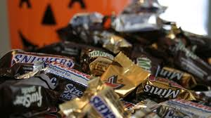 Halloween Candy Tampering by Halloween 2016 Safety Tips Do People Really Put Razor Blades In