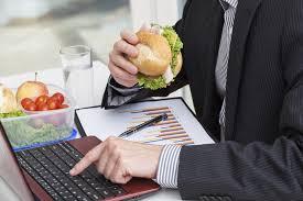repas bureau manger à poste de travail législation ooreka