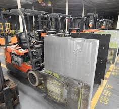 100 Clamp Truck TOYOTA SFBE18 ELECTRIC FORKLIFT TRUCK WITH CLAMP ATTACHMENT AND