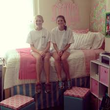 Decorating Ideas Miss Southern Prep Preppy Dorm Showcase Round 4 Dorothy 063030 Room