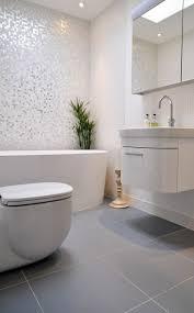 moderne badezimmer fliesen garantieren eine