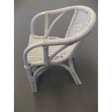 siege en rotin fauteuil d enfant edgar en rotin coloris blanc