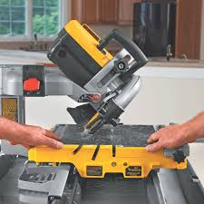 Cutting Glass Bottles With Wet Tile Saw by Dewalt D24000 1 5 Horsepower 10 Inch Wet Tile Saw Power Tile