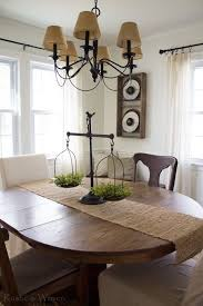 Rustic Dining Room Decorations by Best 25 Farmhouse Table Centerpieces Ideas On Pinterest Wooden