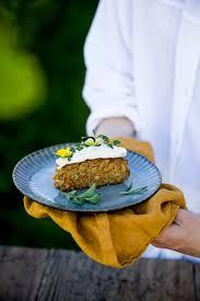 karotten und rosmarin kuchen mit frischkäse frosting 1 runde kuchenform
