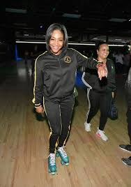 Instead She Took The Time To Show Off Her Silky Shoulder Length Hair And Kick It With LL Cool J Anthony Anderson Snoop Dogg