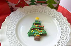 Christmas Tree Meringues by Christmas Countdown Kit Kat Trees Liz Bushong