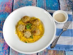 backofenfalafel mit goldenem sauerkraut