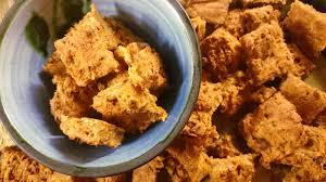 cuisiner pour chien 4 recettes de friandises pour chien aussi faciles à faire que