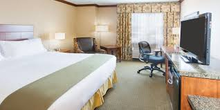 Lamps Plus Beaverton Oregon by Holiday Inn Express U0026 Suites Portland Nw Downtown Hotel By Ihg
