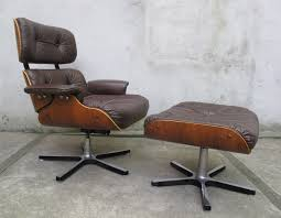 Furniture: Modern And Comfort Eames Style Lounge Chair ... Eames Lounge Chair Ottoman Replica Aptdeco Black Leather 4 Star And 300 Herman Miller Is It Any Good Fniture Modern And Comfort Style Pu Walnut Wood 670 Vitra Replica Diiiz Details About Palisander Reproduction Set