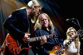 Warren Haynes 27th Annual Christmas Jam - Asheville, NC, December 12 ...
