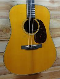 New MartinR D18 Authentic 1939 Aged VTS Acoustic Guitar Natural W Case